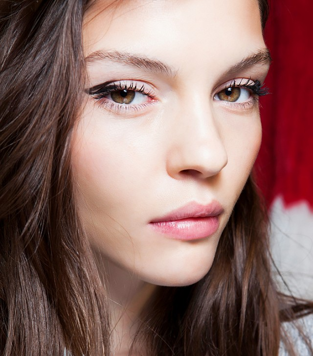the-right-way-to-apply-eyeliner-for-your-eye-shape-all